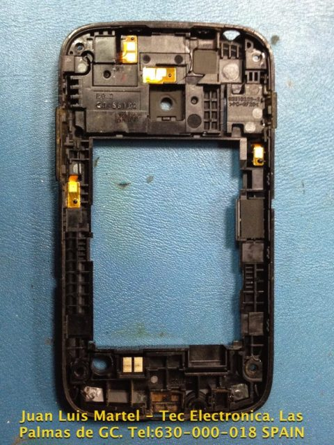 carcaza interna de telefono samsung en reparación