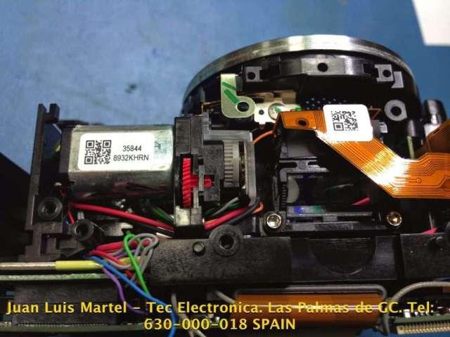 Motor de disparo en cámara fotográfica Nikon de 60