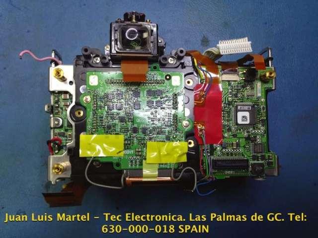 Vista atrás era de cámara fotográfica Nikon modelo D 60 donde se aprecian la unidad del CCD
