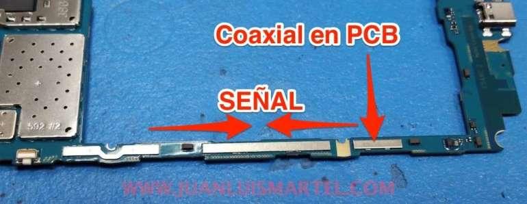 señal de antena por la parte inferior del pcb