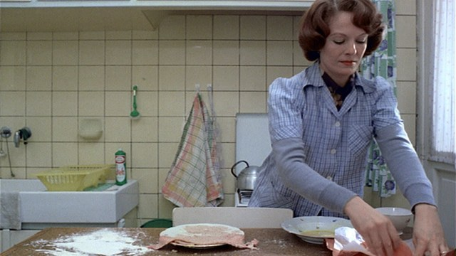 Jeanne Dielman endlessly preparing food at home