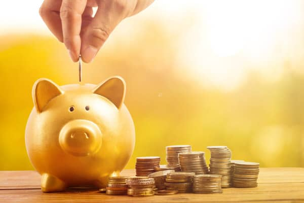 retirement planning in midlife+golden-piggybank