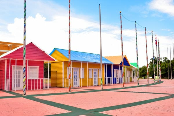 tiny house communities+brightly-colored-houses
