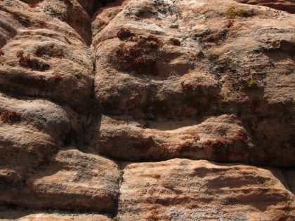 The red sandstone near Valentine Peak features some lovely colors.