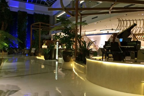 Meet Solaire Resort & Casino.