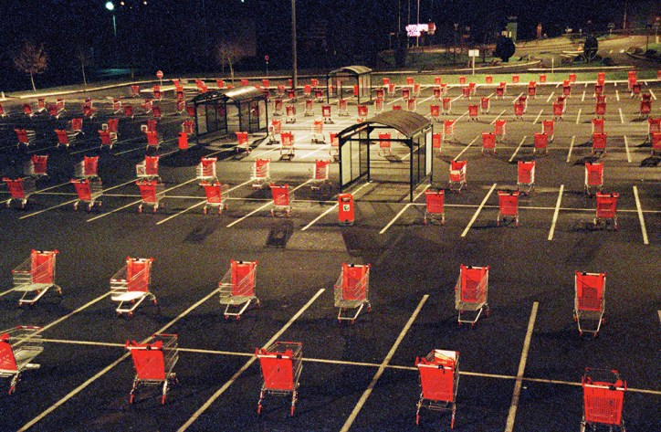 parking, supermarché, caddie, installation, photographie, Judith Millot