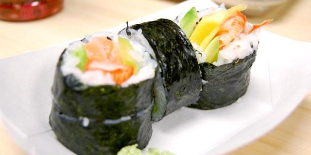 Sushi roll charlie's chopsticks