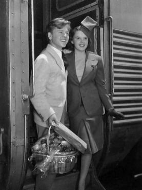 1939 mickey-rooney-judy-garland-train-travel