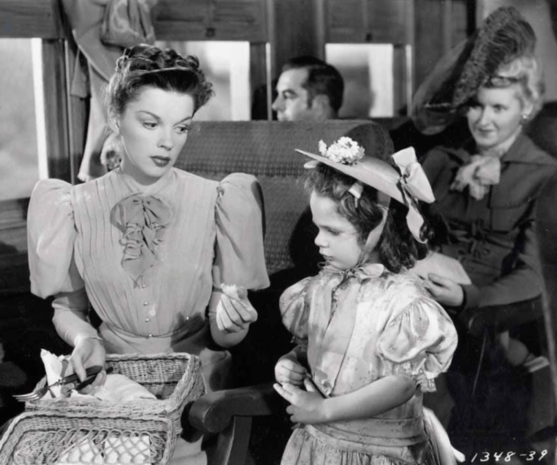 Judy-Garland-in-The-Harvey-Girls