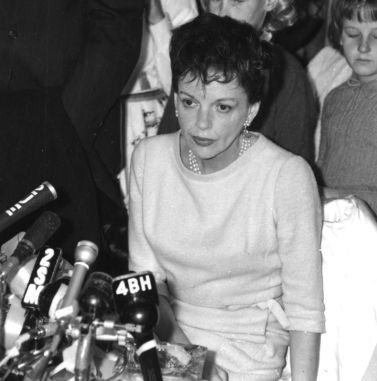 Judy Garland at press conference in Sydney, Australia, May 11, 1964