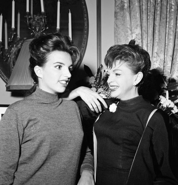 Judy-and-Liza-in-London