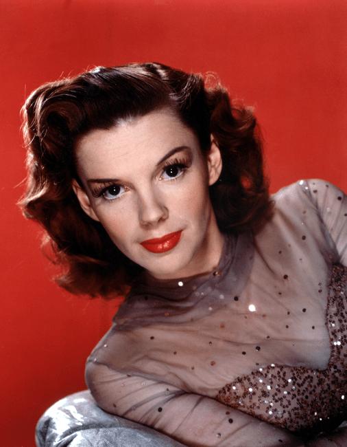 Judy-Garland-1945