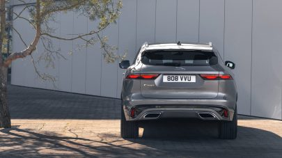 Jag_F-PACE_21MY_28_Location_Static_12_Rear_150920