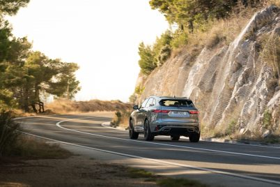 Jag_F-PACE_21MY_39_Location_Driving_150920_HR_DSC01609-4