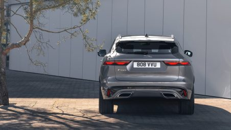 Jag_F-PACE_21MY_Location_Static_12_Rear_150920