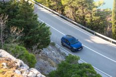 Jag_E-PACE_21MY_Exterior_281020_061
