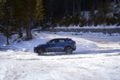 Jag_E-PACE_21MY_Exterior_281020_073