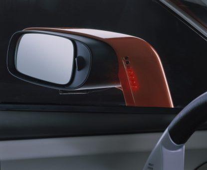 7256_Volvo_SCC_Safety_Concept_Car_2001