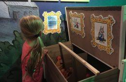 Door Manon. Herfstvakantietip! Houd je van een beetje griezelen? Ga naar de tentoonstelling van Paul van Loon in het Limburgs museum!
