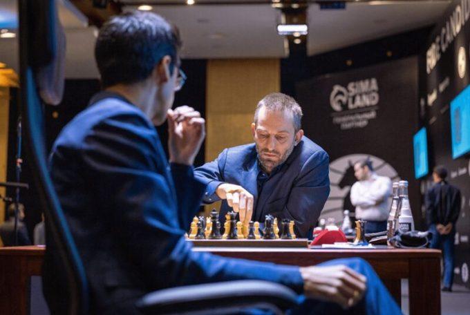 Grischuk- Giri-Foto Lennart Ootes FIDE.