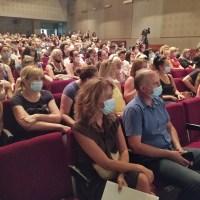 Leskovčanke dobile ponosne kartice kojima će na 117 mesta imati popust na kupovinu od 5 do 50 posto
