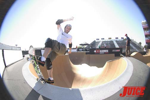 Andy Mac frontside blunts on lock