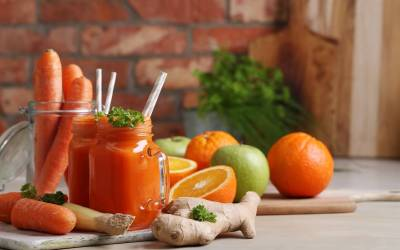 Carrot Juice with Oranges, Apple and Ginger
