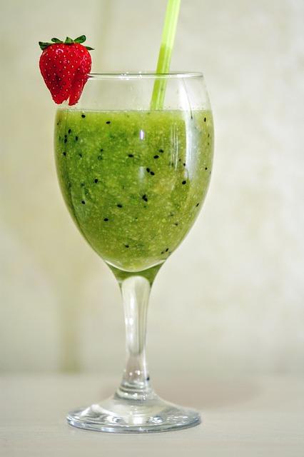 7 Leafy Veggies to Make Tasty Green Juices