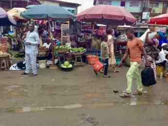 Street Market Scene, Lagos – Badagry Expressway, Lagos State, Nigeria. #JujuFilms