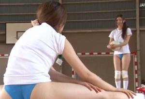 【ママさんバレー NTR】合宿中のむちむちブルマ喰い込み人妻を、体育館でこっそりユニフォームずらしハメ!