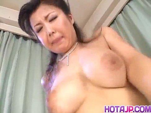 塾女性雑誌 デジテラでおまんこを弄られて潮吹きしてる五十路熟女のjyukujo50.com