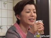 jukujyoおばさんの陰核に大量中出しする動画像無料