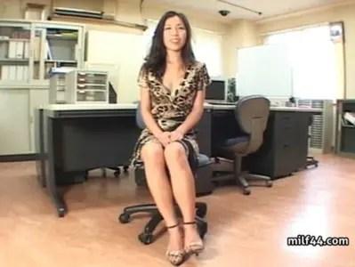 素人熟年女ひとずまにセンズリ鑑賞してもらう熟女動画