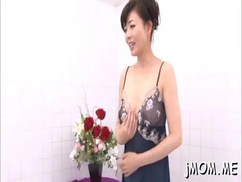 熟女AV女優の三浦恵理子がソープご奉仕で男を魅了して絶頂させるオバチャンノ-パン