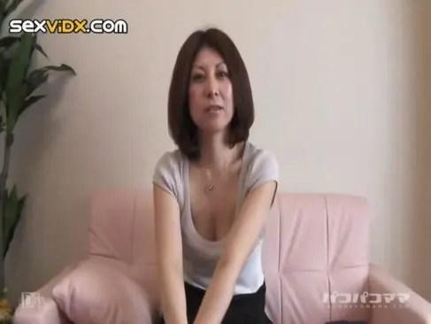 旦那とのセックスでは物足りない四十路熟女が生ハメ撮りしてる日活 無料yu-tyubu