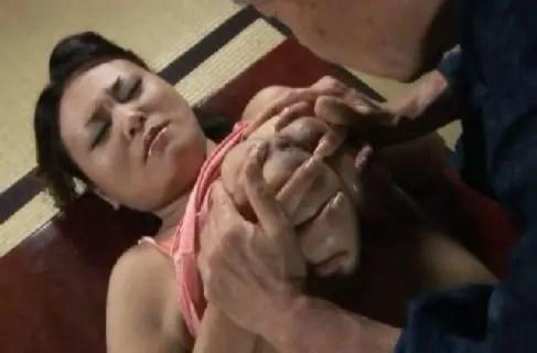 田舎の官能熟女が昼間から不貞性交でおまんこあだるとを濡らすオバチャンノ-パン