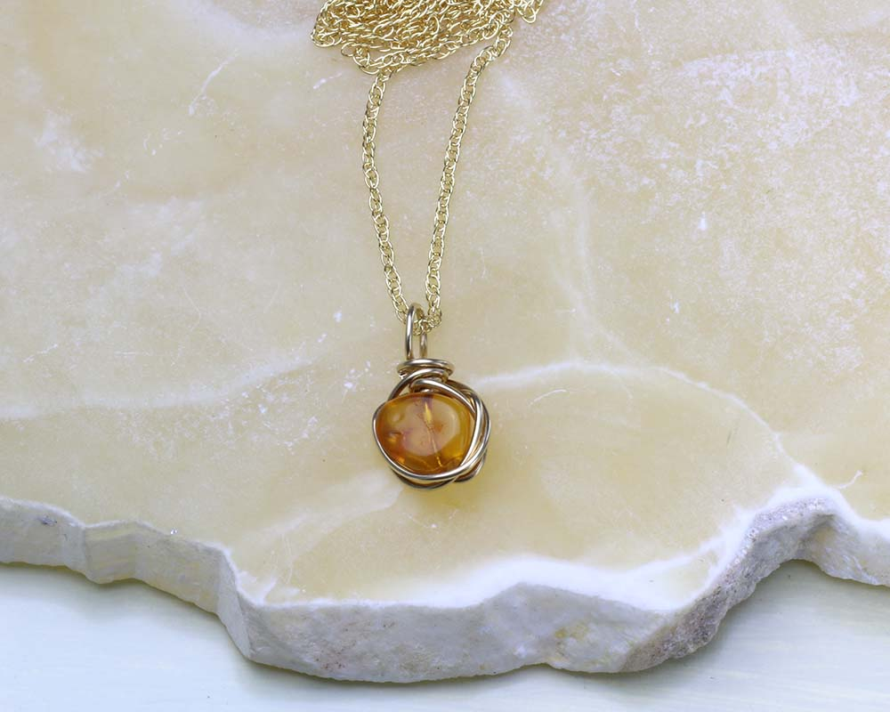 Amber Pendant in Gold