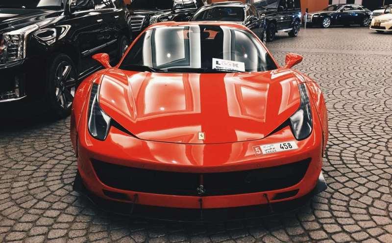 Co driver i en ferrari, ferrari kørsel, oplevelsesgave Ferrari, oplevelsesgave til ham