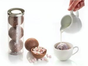 chokoaldebomber, chokolade kugler med skumfiduser, chokolade til varm chokolade, chokoladekugler til varm kakao, mandelgaver 2020, gave til pakkeleg