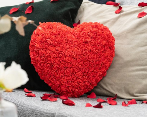 rose hjerte, hjerte af roser, romantiske gaver, gaver til kæresten, søde gaver til kæresten, romantik gaver,