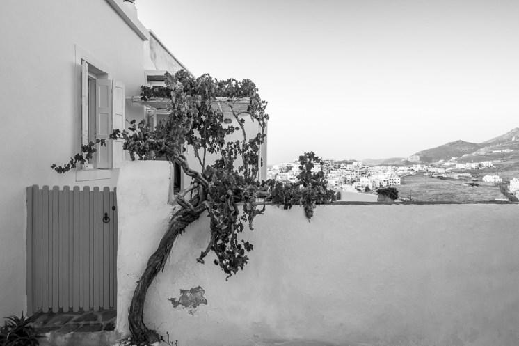 Chora, Naxos (16mm, 1/125s, f4, ISO 200)