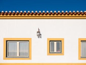 Traditional Alentejo colors, Ponte de Sor, Portugal (22mm, 1/2700s, f4.5, ISO 200)