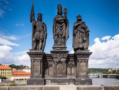 Charles IV bridge, Prague (16mm, 1/400s, f9, ISO 200)