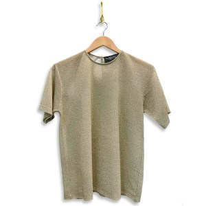 metallic t-shirt in crema colour with shimmery gold look.