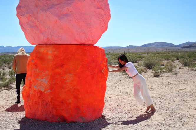 Julia Lee Las Vegas Seven Magic Mountains