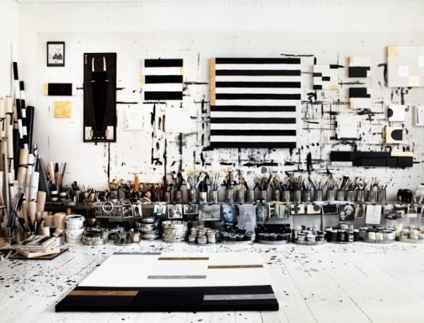 Tenka-Gammelgaard-Idha-Lindhag-art-studio-black-white-600x457