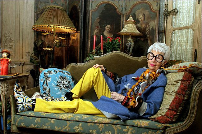 iris-apfel-sofa-juliana-daidone-saladesign