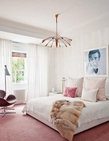 living-pink-juliana-daidone-sputnik