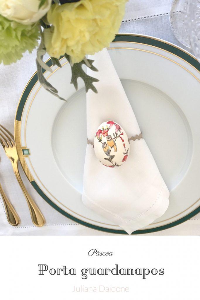 Porta guardanapos de Páscoa, feito com ovo com découpage e sianinha de camurça. Decoraçãomais formal e chic para receber na Páscoa.