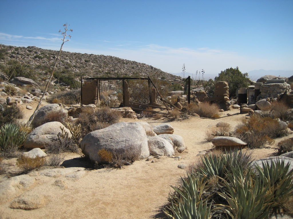 Adobe ruins and cistern